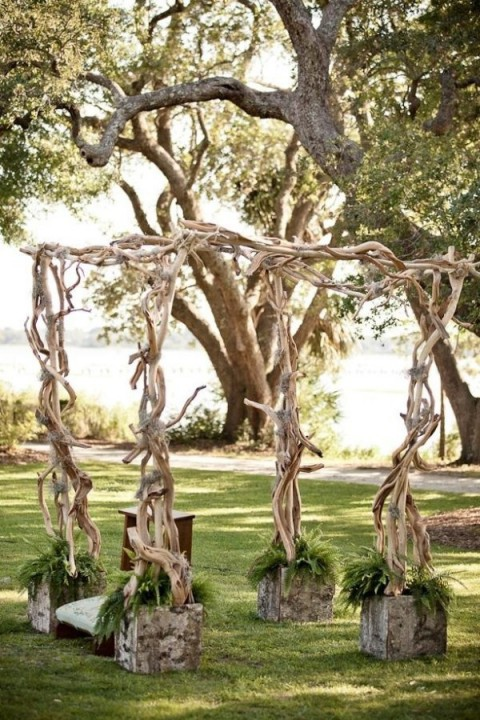 simple wedding arch for summer