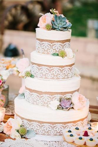 white flower wedding cakes
