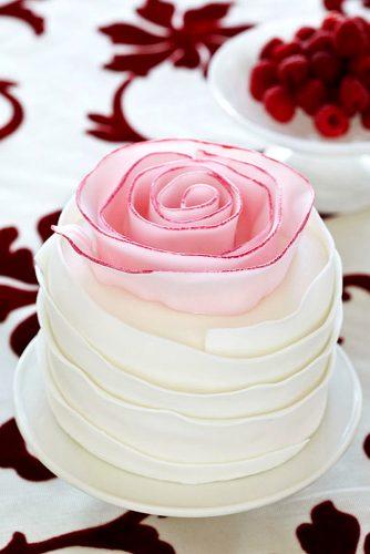 cute mini wedding cake design