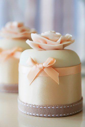 cute simple mini wedding cake