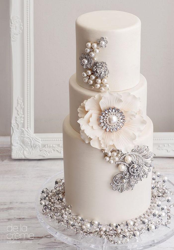 elegant charming wedding cake