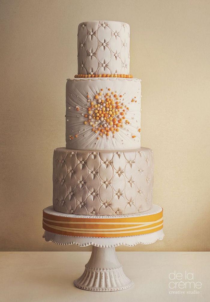 unique and elegant wedding cake