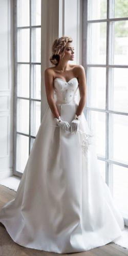white-simple-sweetheart-vintage dress