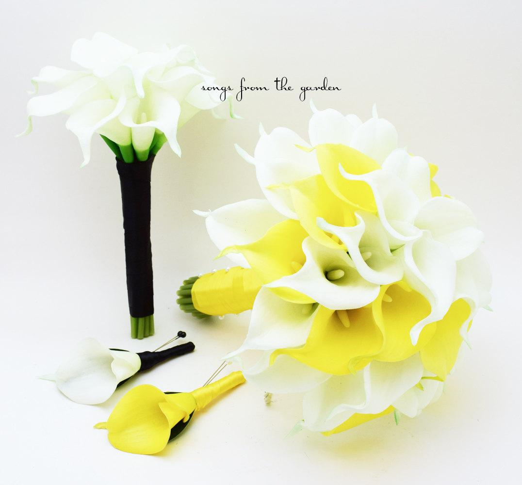 white yello calla lily wedding bouquet