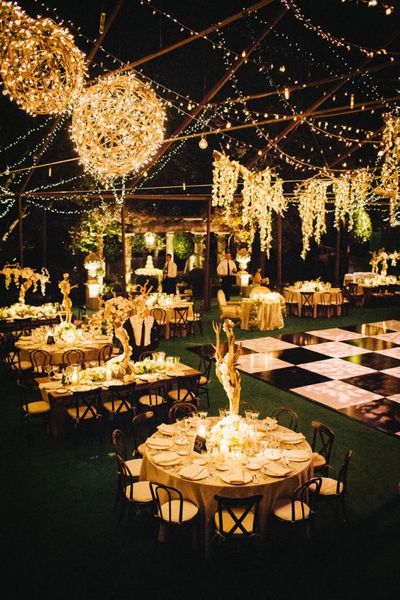 glamour night wedding decor