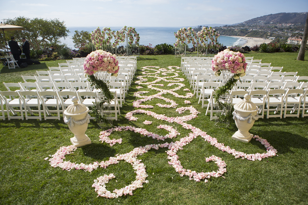 romantic beach wedding decoration