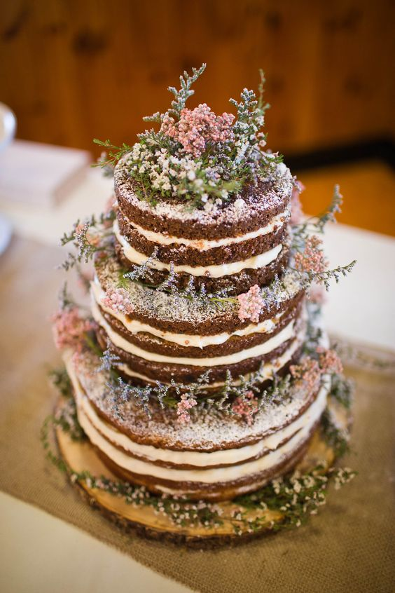 Rustic-wedding-naked-carrot-cake