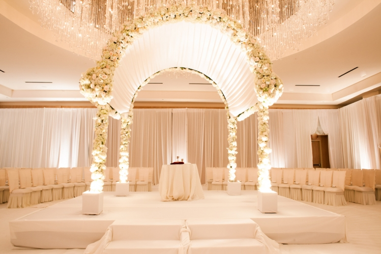 beautiful florist for luxury wedding
