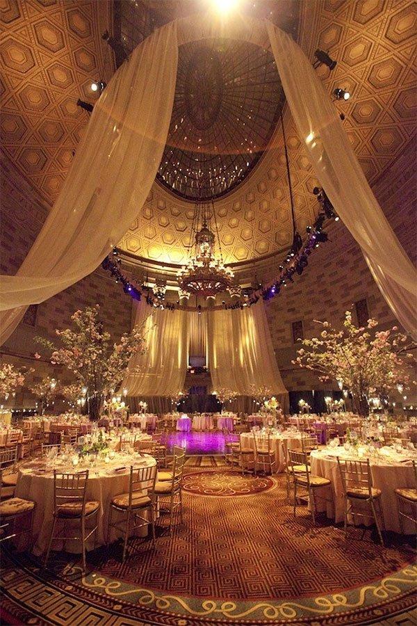 gold theme wedding concept