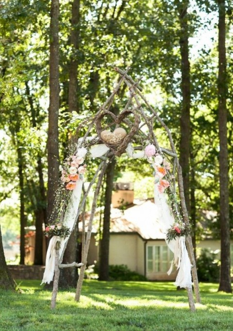 beautiful simple wedding arch