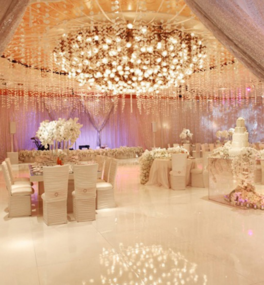 White Luxury Wedding Decor With Wonderful And Beautiful: Luxury Wedding Reception With A Perfect And Awesome