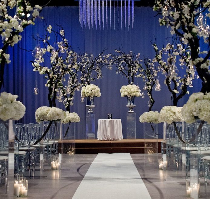 awesome blue wedding decor