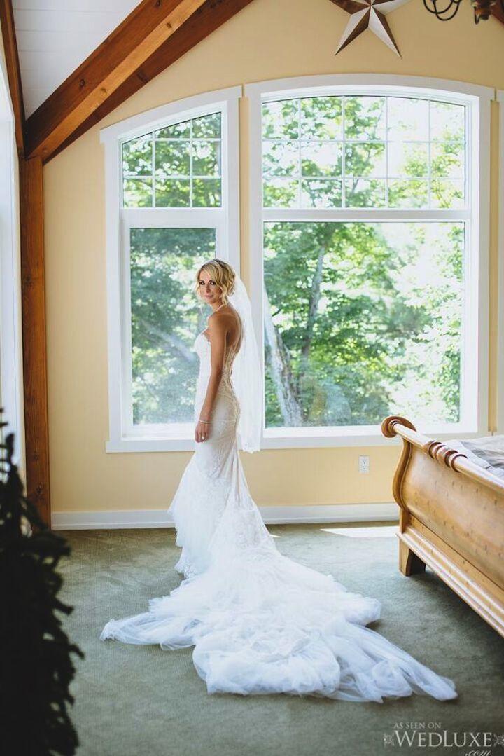 luxury white long wedding dress