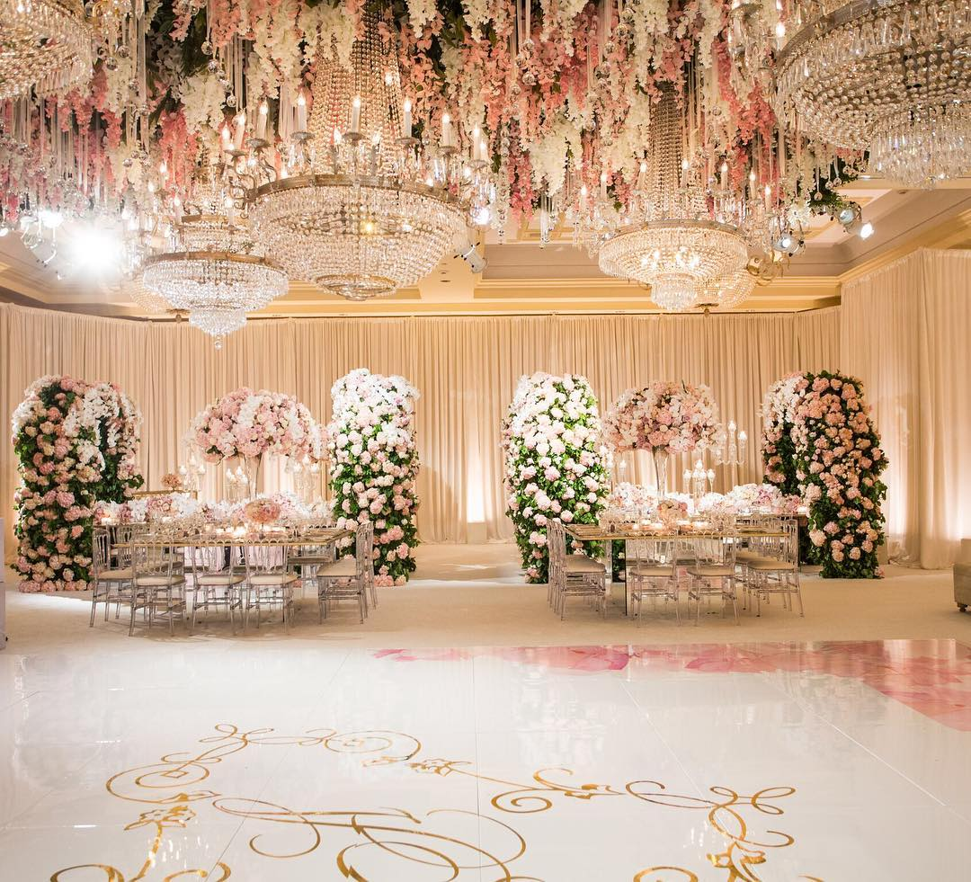 White Luxury Wedding Decor With Wonderful And Beautiful