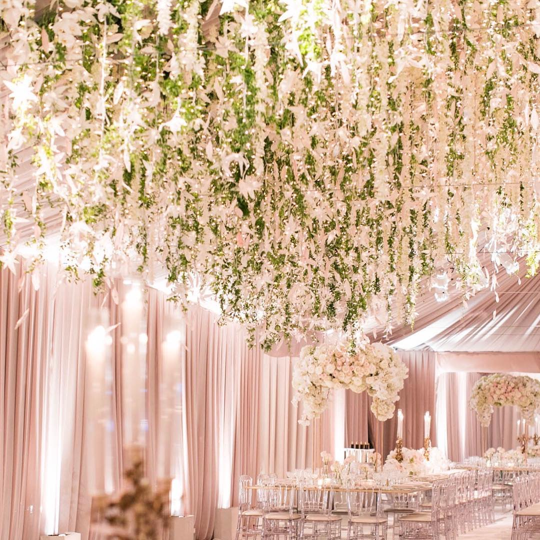 White luxury wedding decor with wonderful and beautiful decoration ideas white lilac inc beautiful white wedding decor junglespirit Image collections