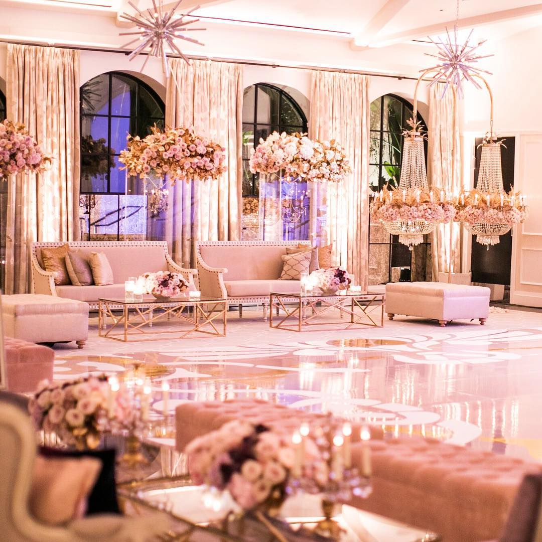 White Luxury Wedding Decor With Wonderful and Beautiful Decoration Ideas