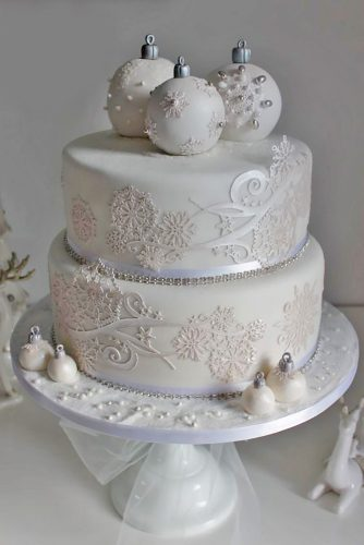elegant wedding winter cake