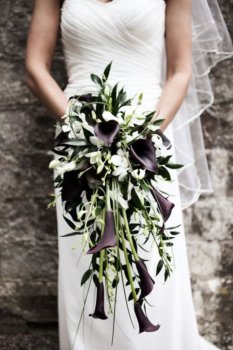 outstanding black and white bouquet