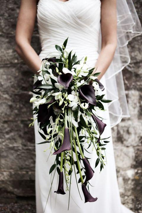 elegant lily bouquet