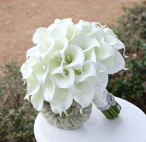 white charming lily bouquet