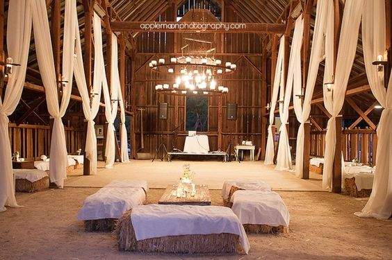 inside-barn-wedding-reception-ideas