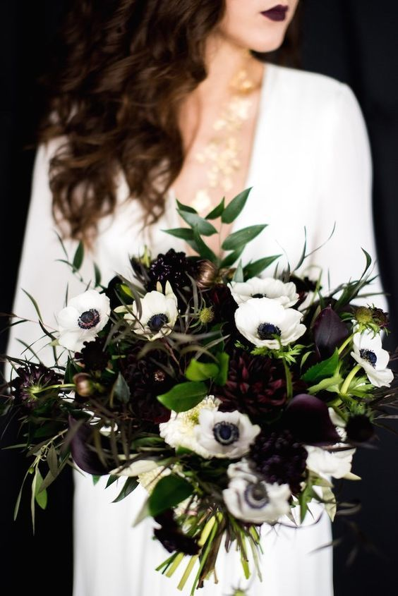 beautiful black and white bouquet