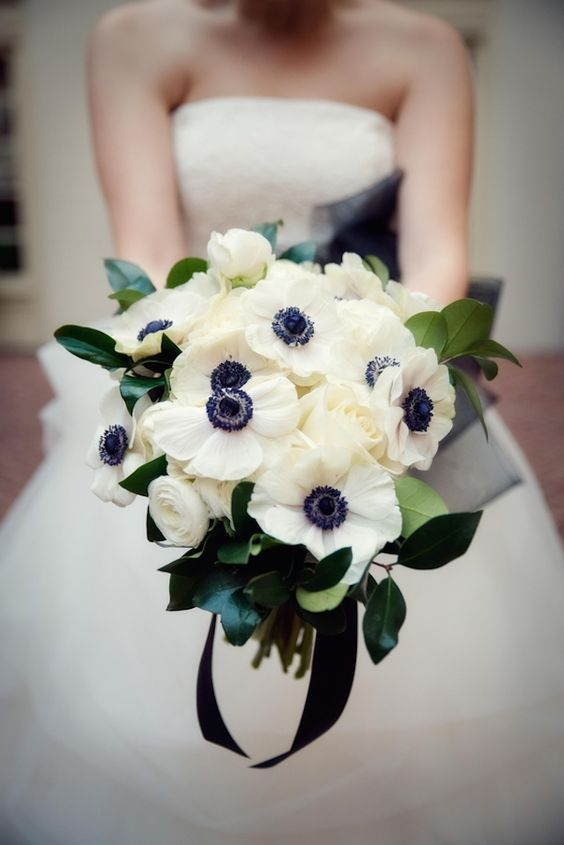perfect black and white bouquet
