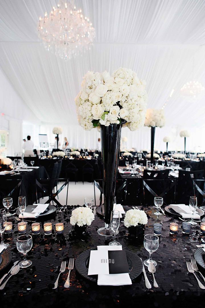 perfect black and white wedding decor