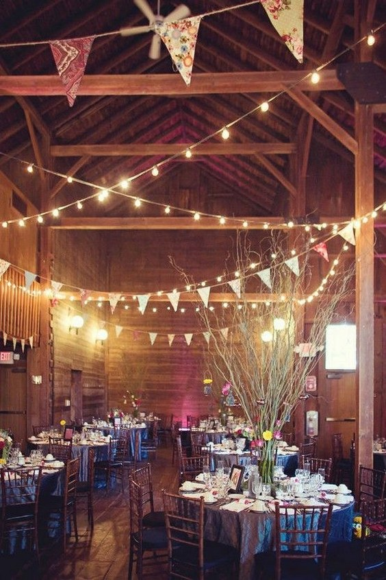 rustic-barn-wedding-decor-idea