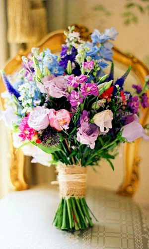 simple purple wedding flower design