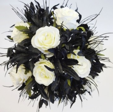 elegant white and black bouquet