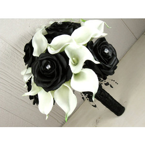 classic black and white bouquet