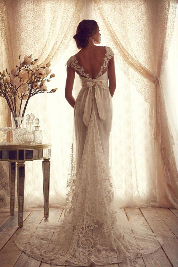 vintage-wedding-dresses-with-lace-and-ribbon