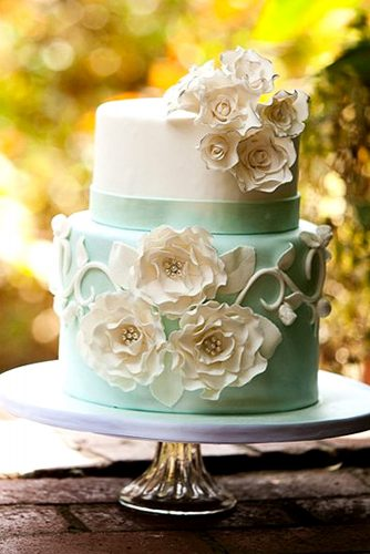 mini flower wedding cake