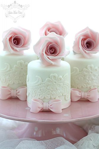 white and pink mini cakes