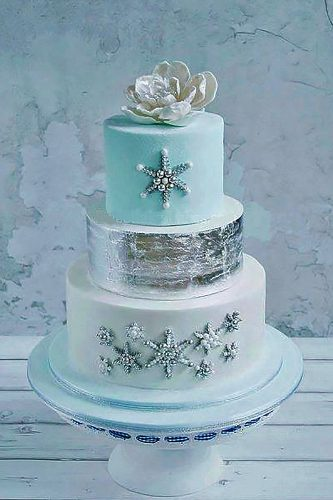 winter-wedding-cakes-sweetlake-cakes wedding forward