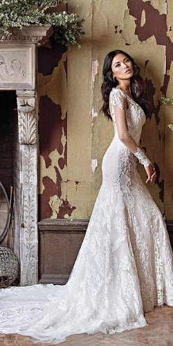 lace-long-sleeve-vintage-wedding gown