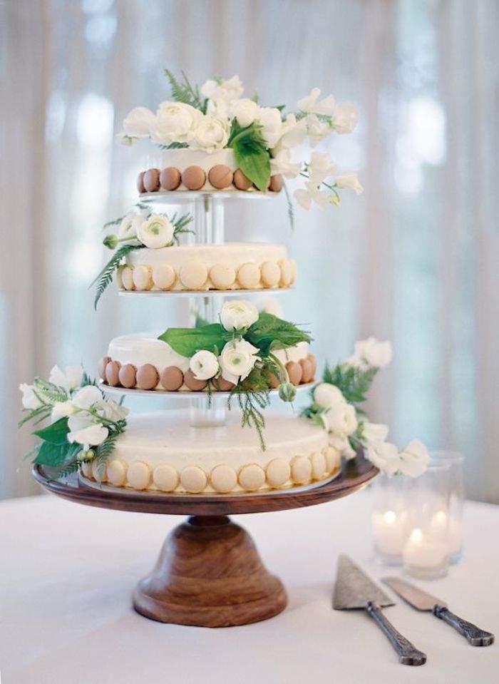 rustiic wedding cake