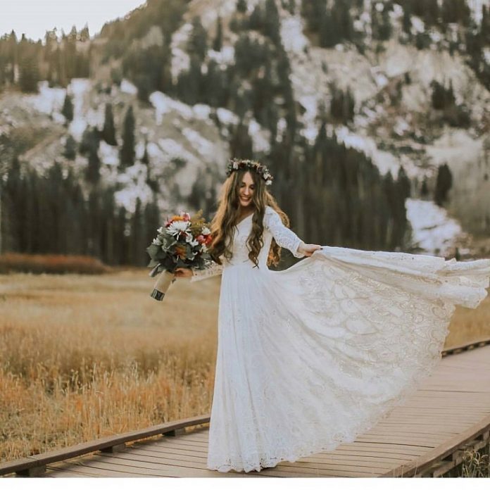 simple winter wedding gown