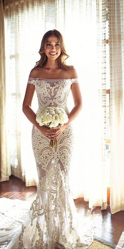 stunning barn wedding dress