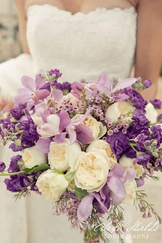 soft purple wedding bouquet