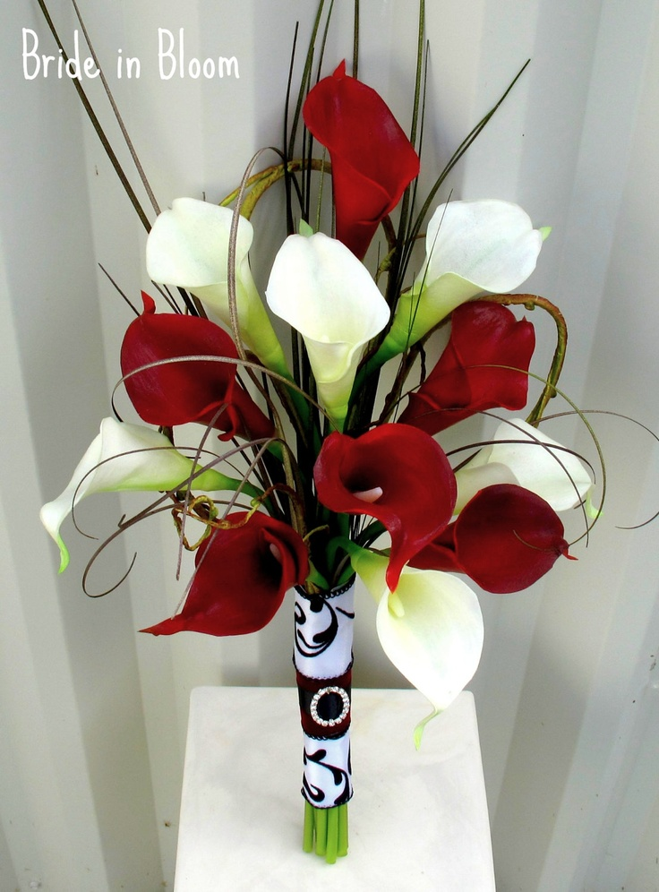 white and red calla lily bouquet
