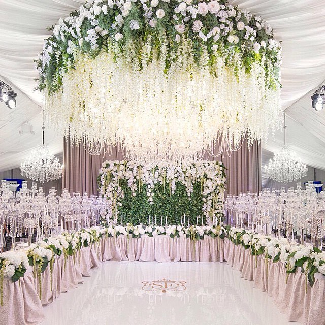 white gorgeous wedding decor