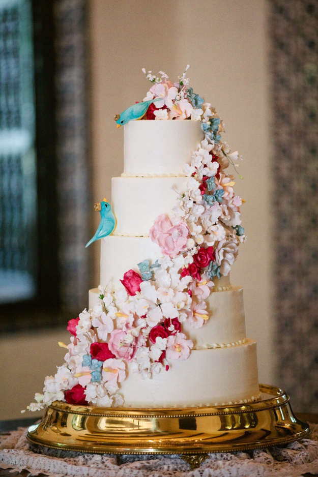 beautiful wedding cakes with flower garnish