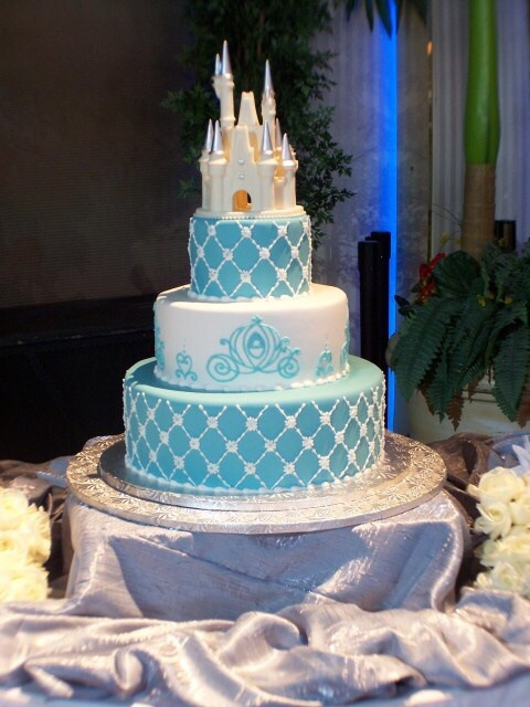 disney princess castle wedding cake types of beautiful wedding cakes showing their luxury and 13566