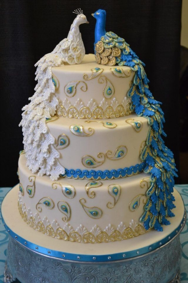 unique and gorgeous wedding cake