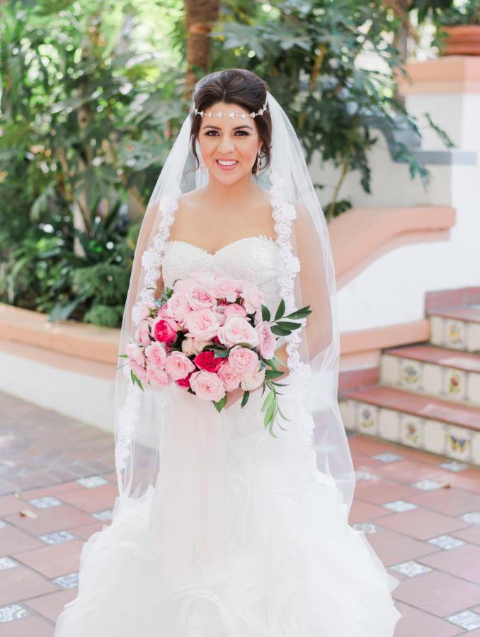 vintage wedding dress for beautiful bride