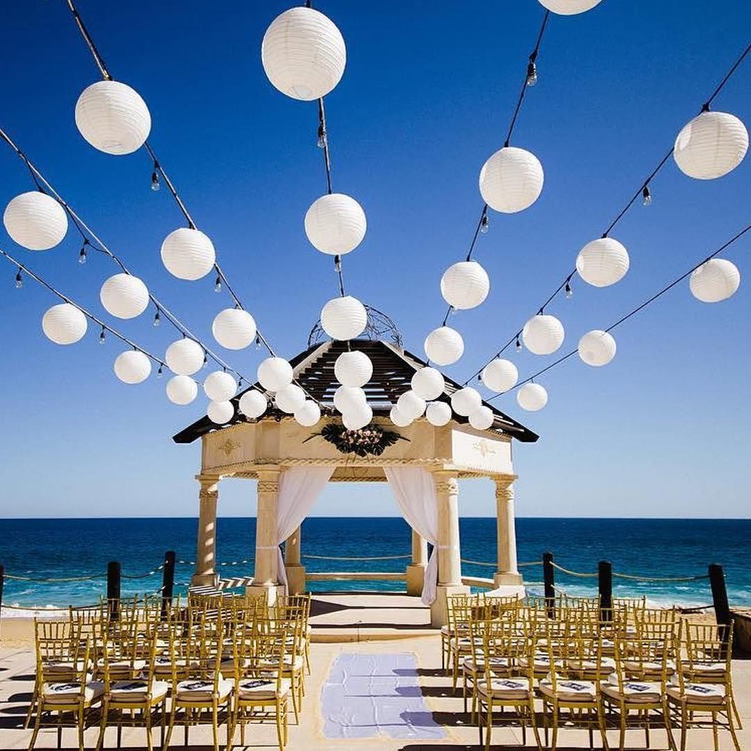 white lantern for beach wedding decor