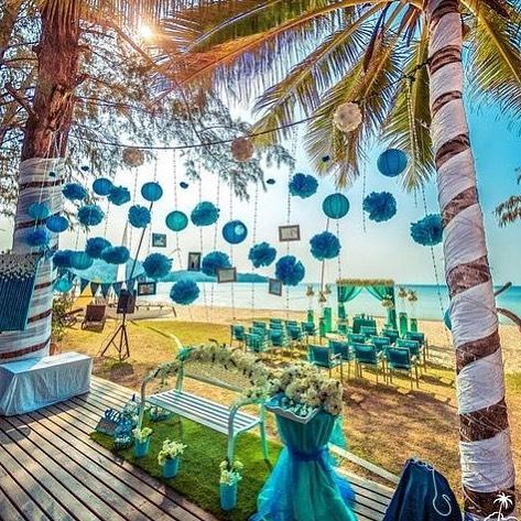 beach blue wedding decor