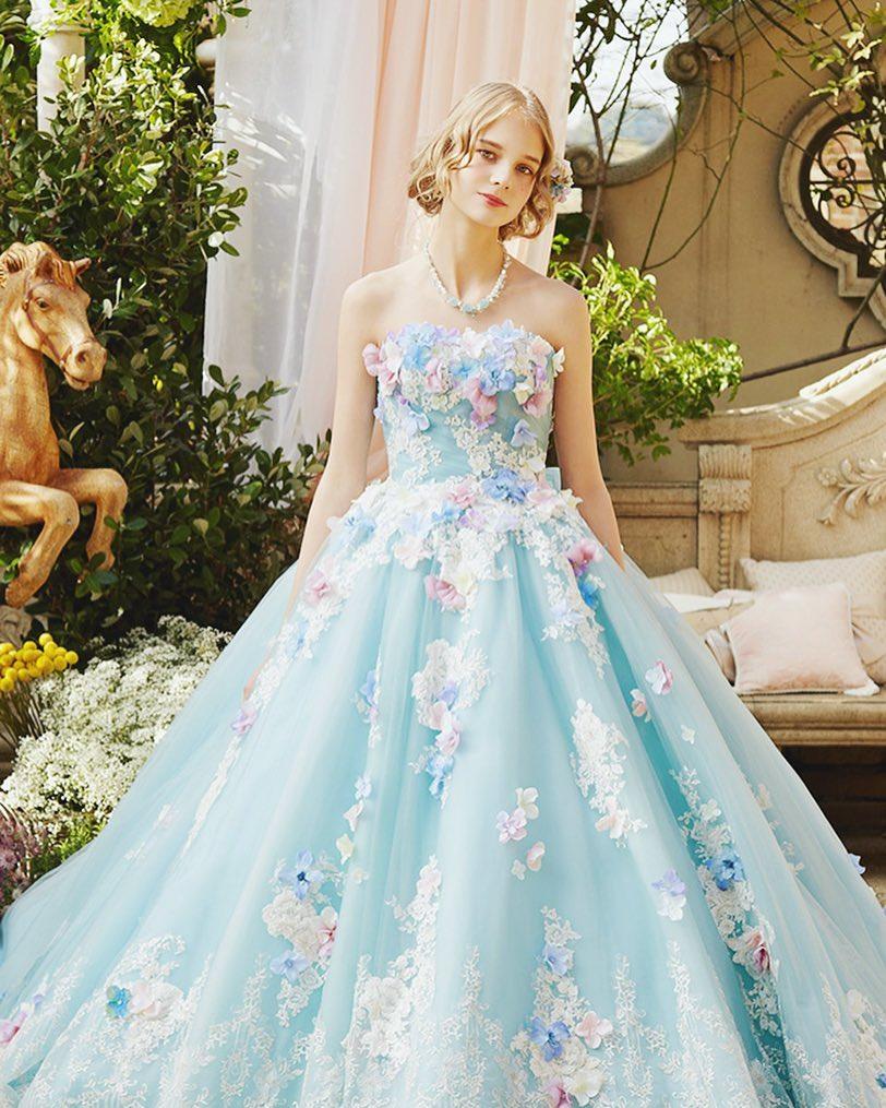 baby blue 3D floral design
